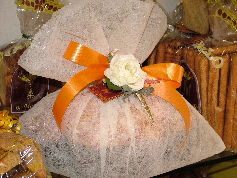 An Easter colomba