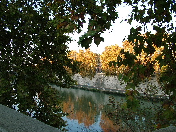 Fall beauty as usual along the Tiber