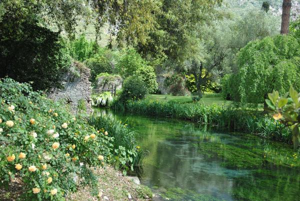 Ninfa Garden, 2